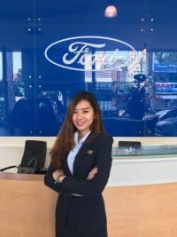 Nhân viên tư vấn mua xe Ford tại Sài Gòn Ford