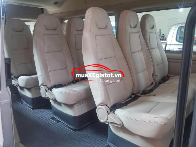 Nội thất xe Ford Transit Mid LX 2020 kèm giá bán