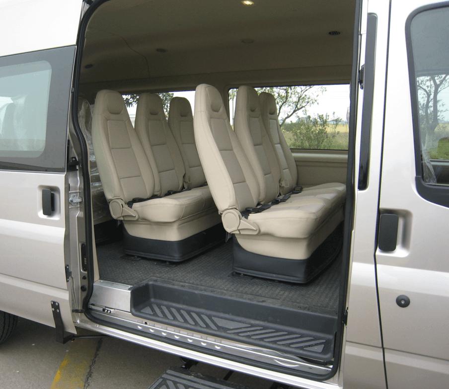 cua xe ford transit - Đánh giá Ford Transit SLX 16s Luxury 2018 kèm giá bán tại Việt Nam