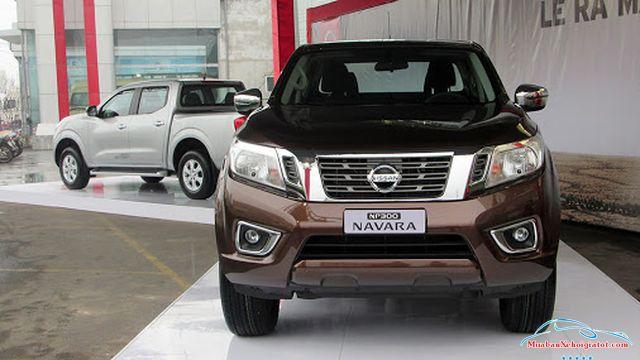 ầu xe Nissan Navara 2.5 MT 4WD hay Nissan Navara SL - Nissan Navara 2.5 MT 4WD (SL): Giá bán, hình ảnh, vận hành và an toàn
