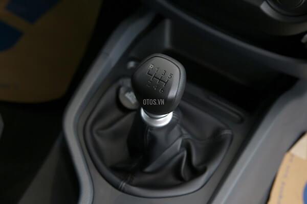 Ford Ranger XLS 2 2 4x2 MT Muaxegiatot vn 2 - So sánh Toyota Hilux 2.4G MT 4x4 và Ford Ranger XLT 2.2L MT 4x4  (Số sàn, 2 cầu)