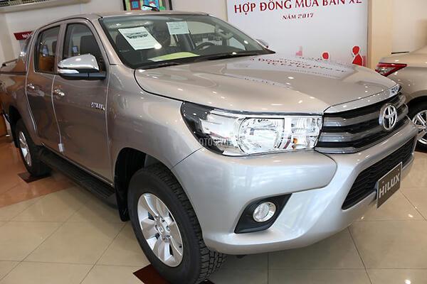 Toyota Hilux 2 4E MT Muaxegiatot vn 6 - So sánh Toyota Hilux 2.4G MT 4x4 và Ford Ranger XLT 2.2L MT 4x4  (Số sàn, 2 cầu)