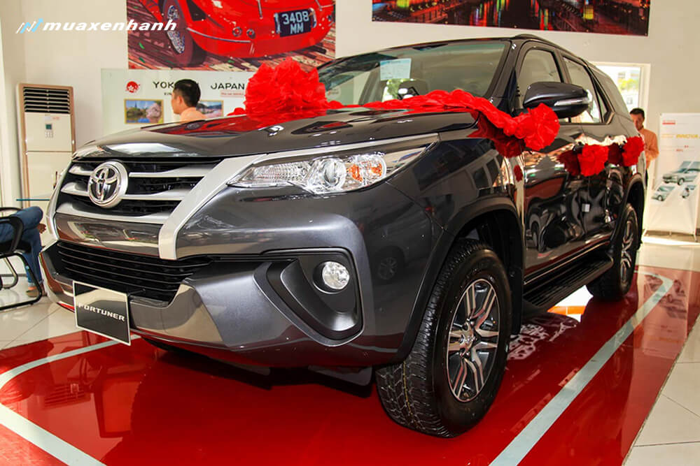 gia-xe-toyota-fortuner-2019-muaxenhanh-vn-6