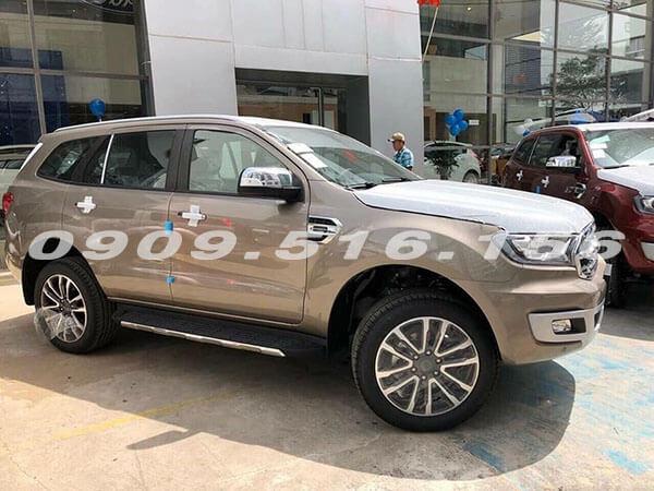 danh-gia-xe-ford-everest-2019-2-0-bi-turbo-sai-gon-ford-muaxegiatot-vn-5