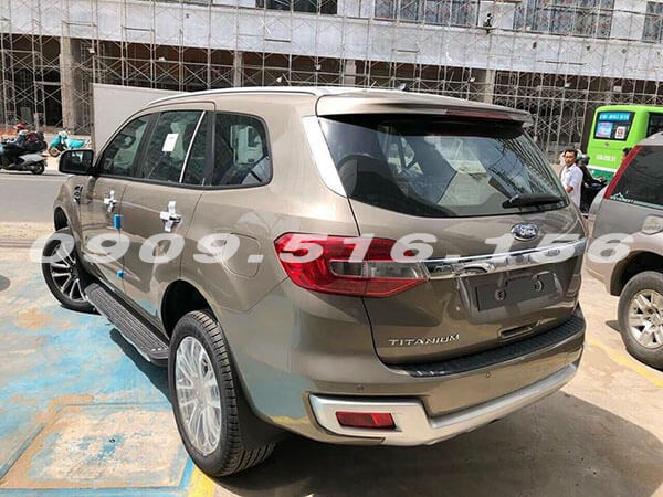 duoi-xe-ford-everest-2019-2-0-bi-turbo-sai-gon-ford-muaxegiatot-vn-12