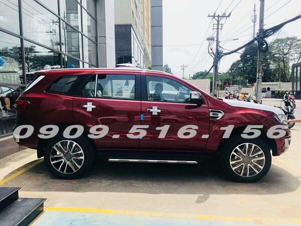 hong-xe-ford-everest-2019-2-0-bi-turbo-sai-gon-ford-muaxegiatot-vn-1