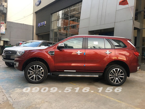 hong-xe-ford-everest-2019-2-0-bi-turbo-sai-gon-ford-muaxegiatot-vn-9