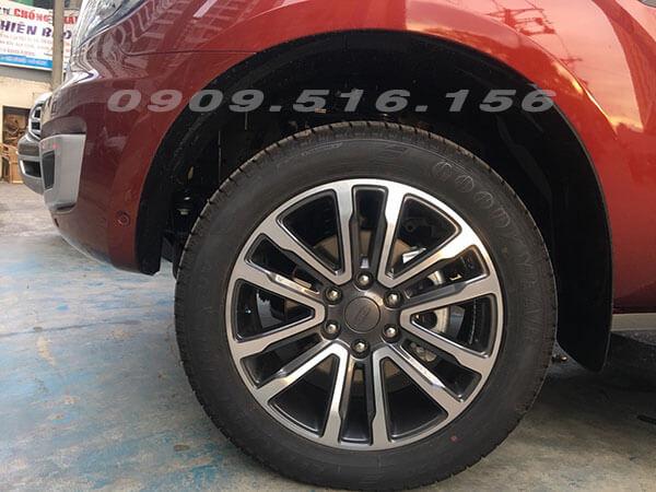 mam-xe-ford-everest-2019-2-0-bi-turbo-sai-gon-ford-muaxegiatot-vn-14
