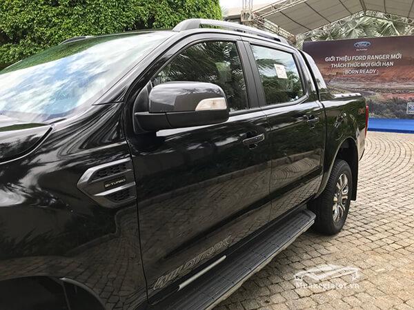 guong-chieu-hau-ford-ranger-wildtrak-2-0-bi-turbo-2018-2019-muaxegiatot-vn