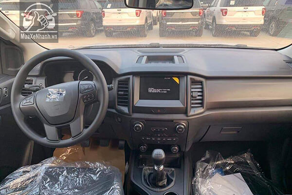 noi-that-xe-ford-everest-ambiente-so-san-muaxenhanh-vn-4