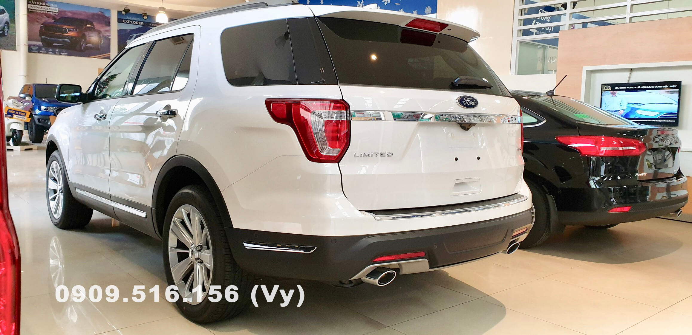 duoi-xe-ford-explorer-2019-muaxegiatot-vn