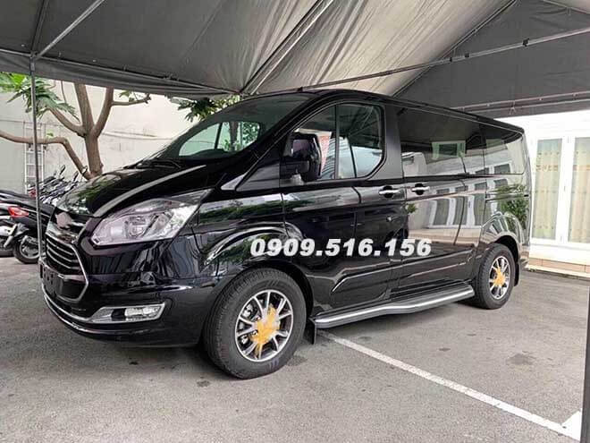 hinh-anh-ford-tourneo-2019-2020-mau-den-xuat-hien-muaxegiatot-com