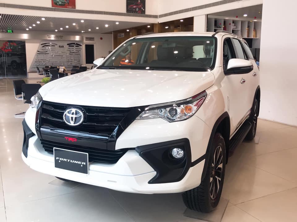 xe-2020-toyota-fortuner-10-xe-2020-ban-chay-2019-muaxegiatot-vn