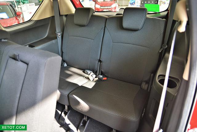 hang ghe thu 3 suzuki ertiga 2020 xetot com - Đánh giá xe Suzuki Ertiga 2021 kèm giá bán khuyến mãi #1