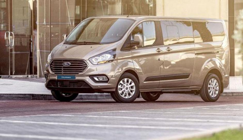 ford tourneo 2020 ford saigon vn - Kia Sedona 2022 có đủ sức cạnh tranh với Peugeot Traveller và Ford Tourneo