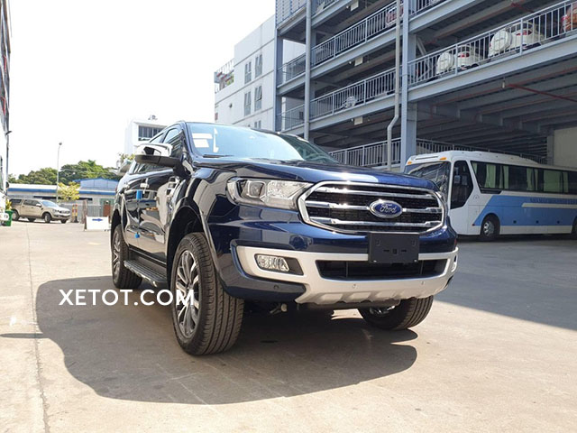 ford-everest-2021-mau-xanh-dam-ford-saigon-net