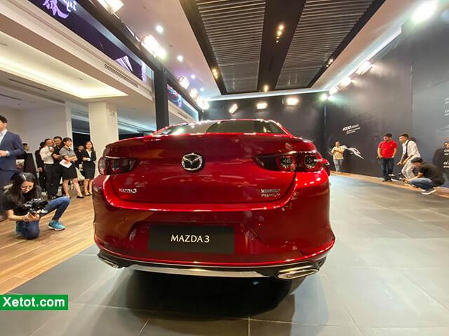duoi xe mazda 3 2021 hatchback danhgiaxehoi vn - Đánh giá Mazda 3 2021 - Ông trùm của dòng xe hạng C