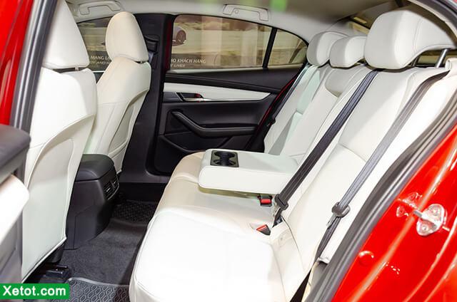 hang ghe sau tren mazda 3 2021 sedan danhgiaxehoi vn - Đánh giá Mazda 3 2021 - Ông trùm của dòng xe hạng C