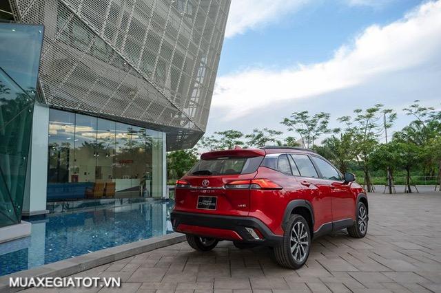 duoi-xe-toyota-corolla-cross-18v-2020-2021-muaxegiatot-vn-1