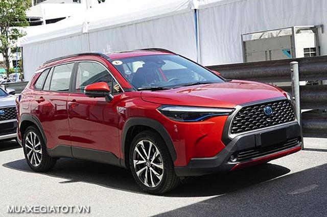 than-xe-toyota-corolla-cross-18v-2020-2021-muaxegiatot-vn-1