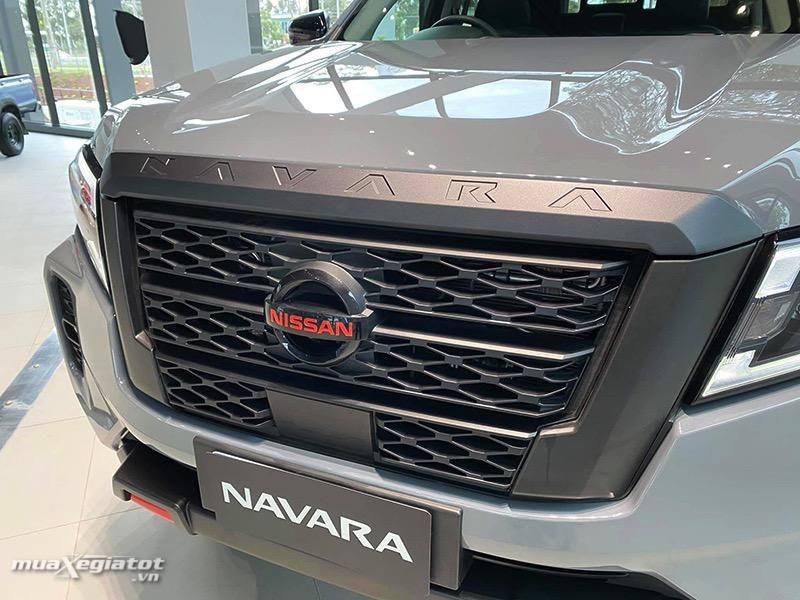 can truoc nissan navara 2021 2022 muaxegiatot vn - Đánh giá xe bán tải Nissan Navara 2022: Nhiều công nghệ nổi bật để cạnh tranh